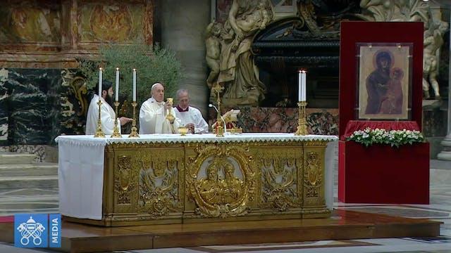 Papa dedica su homilía de Jueves Sant...