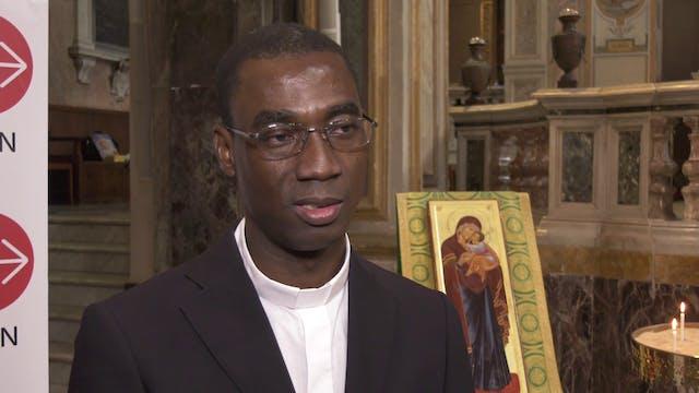 Sacerdote de Burkina Faso: Cristianos...