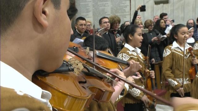 """Coro de niños canta una versión de """"La Guadalupana"""" en la basílica de San Pedro"""