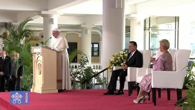 """Papa ante autoridades de Panamá: """"El derecho al futuro es también un derecho"""""""