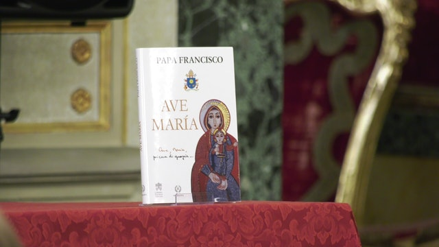 """Ave María"", the pope's new book on the Virgin Mary"
