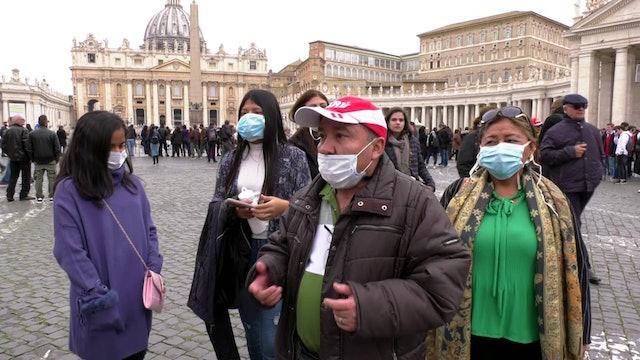 Las precauciones ante el coronavirus marcan encuentros con el Papa