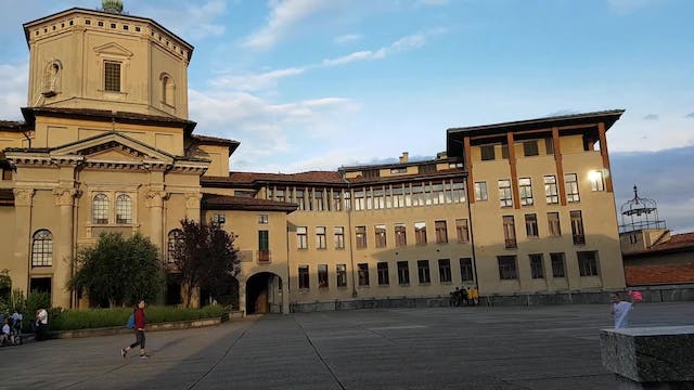 Bergamo seminary offers rooms to doct...