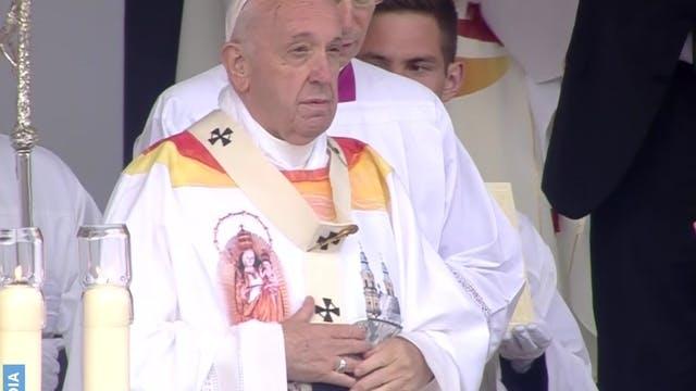 Papa pide transformar rencores viejos...