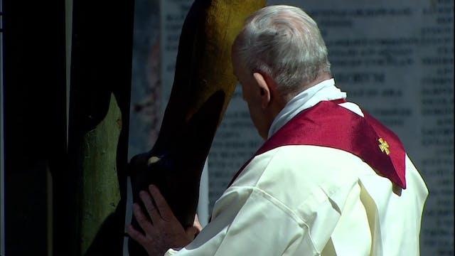 Viernes Santo en cuarentena: Papa cel...