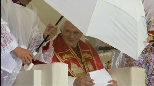 Ver a Benedicto XVI bajo la tormenta ...
