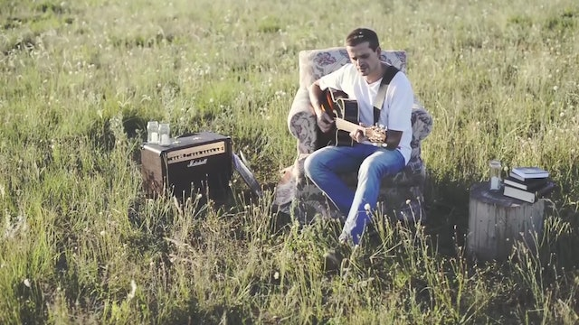 Singer Pablo Martínez launches humor videos to talk about God