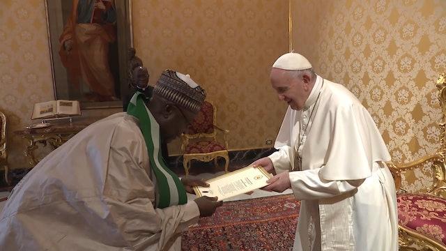 El conmovedor gesto del embajador de Nigeria con el Papa