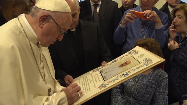 El Papa visita a enfermos en el prime...