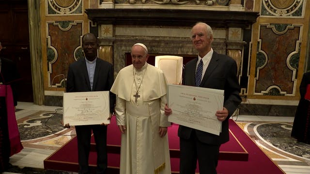 El Papa agradece a Benedicto XVI su e...