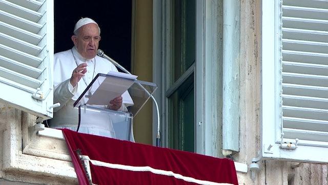 El Papa condena en el ángelus el bombardeo contra centro de acogida en Libia