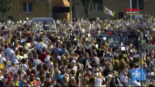Arzobispo eslovaco que celebró misa junto al Papa tiene el covid