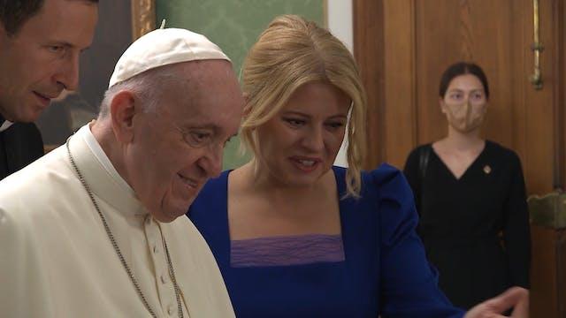 Pope Francis addresses Slovak officia...