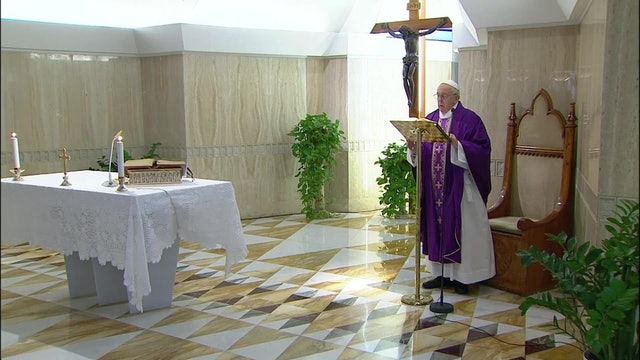 Papa reza por las familias con dificultades económicas a causa del coronavirus