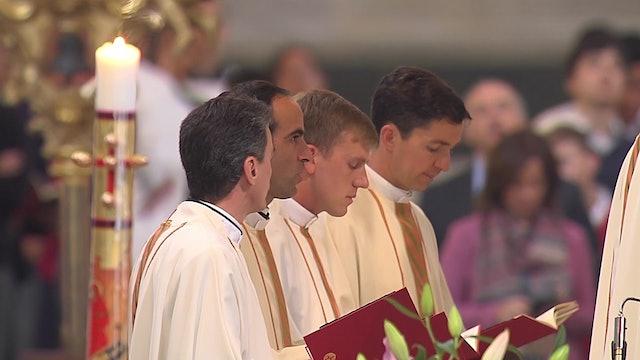 Dos hermanos y un primo de la misma familia... ¡todos sacerdotes!