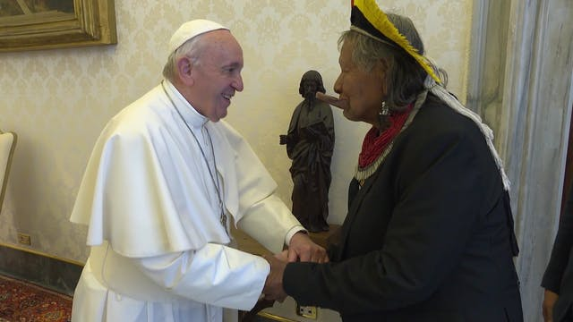 Pope meets Raoni, tribal leader of th...