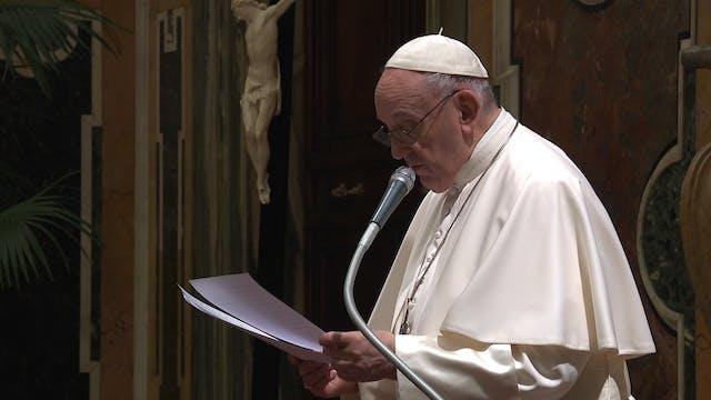 Pope Francis praises soccer coach's g...