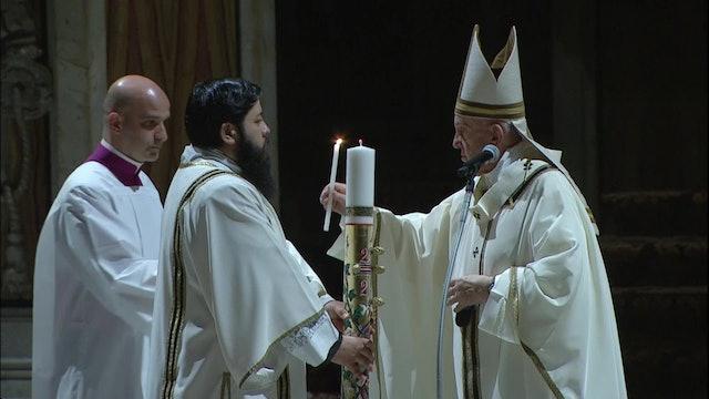 Papa en la Vigilia Pascual: Sembrad esperanza, anunciad la vida