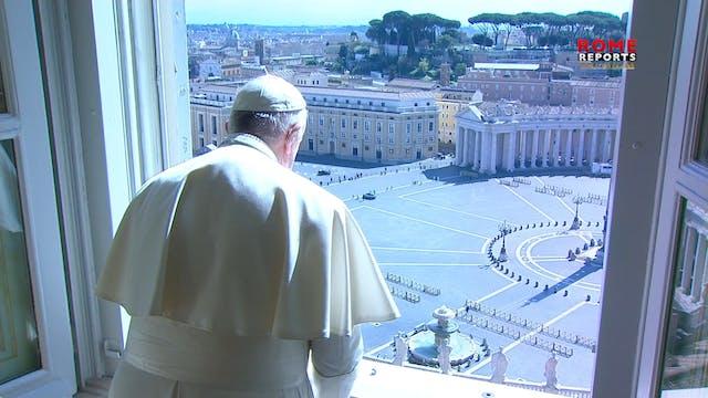 Papa bendice a una Roma desierta desd...