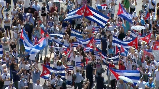 """Pope Francis calls for """"peace, dialogue, and solidarity"""" in Cuba"""