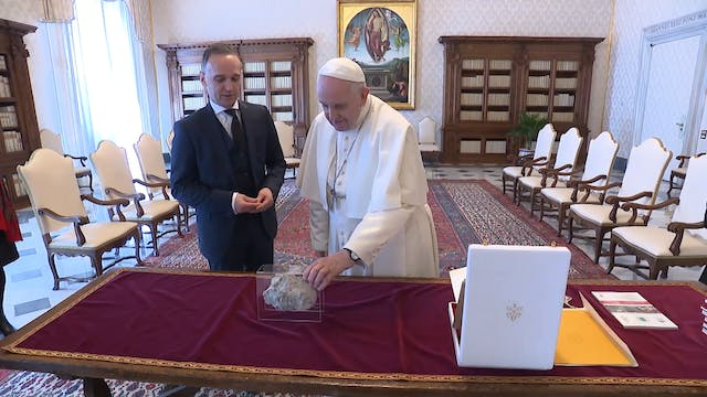 Germany gifts Pope Francis a piece of...