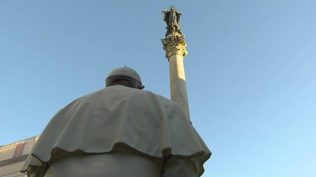 El Papa en la ofrenda a la Inmaculada...
