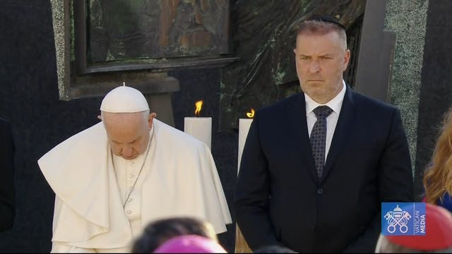 Pope with Holocaust survivors: All fa...