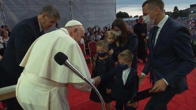 Papa propone la castidad a los jóvene...