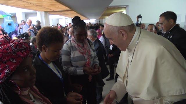 Papa Francisco visita a enfermos de V...