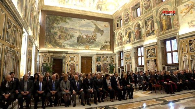 El Papa se reúne con un grupo de emoc...