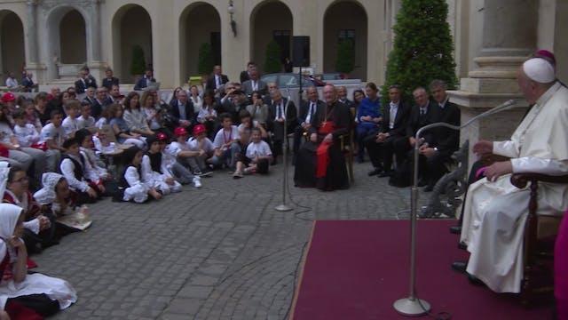 Papa se reúne con niños: Os doy la fó...