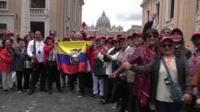 Pilgrims travel from Quito to Rome to see Pope Francis
