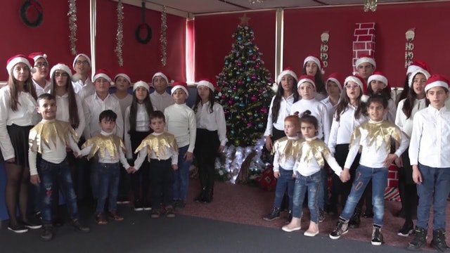 "Coro de niños sordos canta ""Noche de paz"""