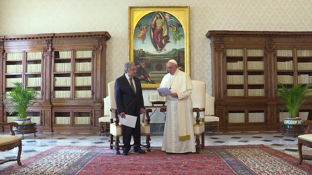 Papa denuncia el drama de los desplazados internos