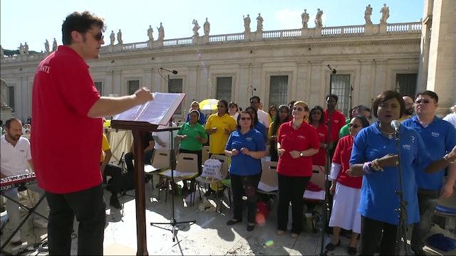 Impresionante Gloria multiétnico interpretado en Misa por Migrantes y Refugiados