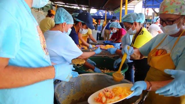 Caritas Venezuela distributes meals d...