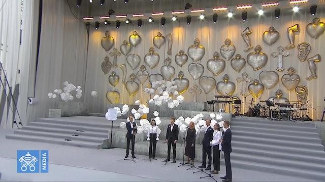 """El espectacular coro """"a capela"""" que cantó para el Papa Francisco en Lituania"""