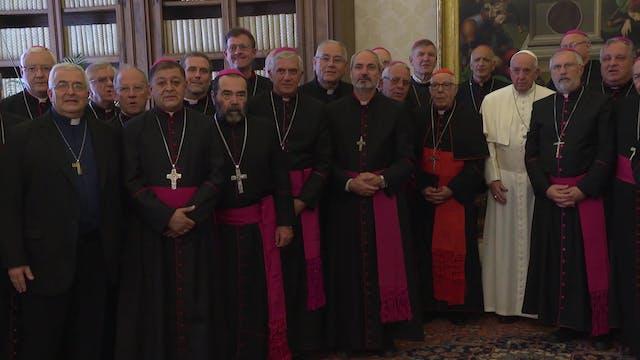 Papa Francisco se reúne dos horas con...