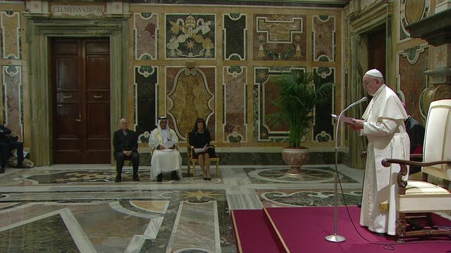 Pope asks cellphone companies to bloc...