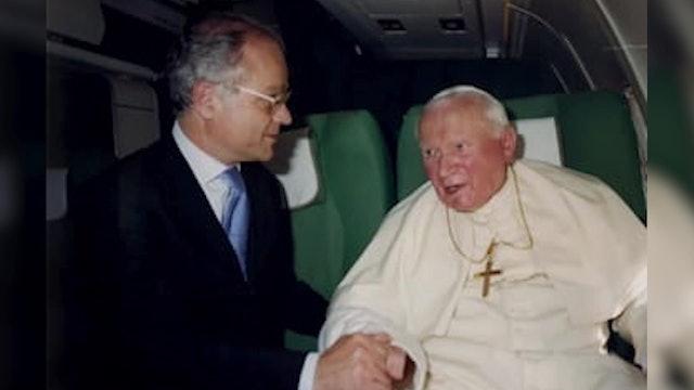 Recuerdos de más de 60 vuelos papales con Juan Pablo II
