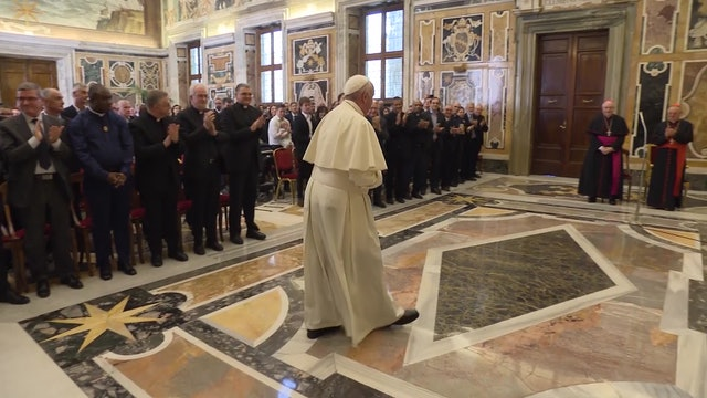 Pope Francis to Vatican Postal Service: Thank you for putting me in contact