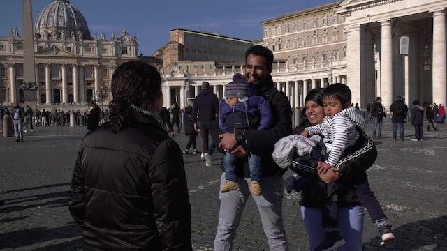 Padres de niño que desató risas en acto con el Papa: Lo tuvimos que dejar ser