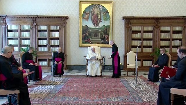 Pope Francis begs for dialogue in Mya...