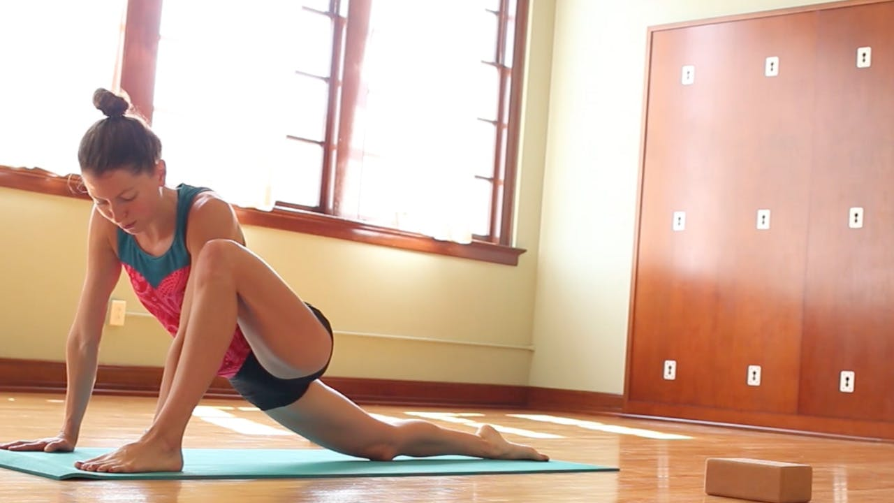 Runners Love Yoga: Vinyasa for Your Legs