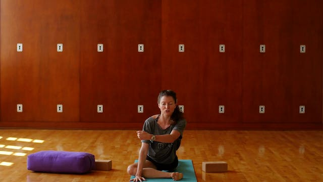 Runners Love Yoga: Mini-practice for Your Hips