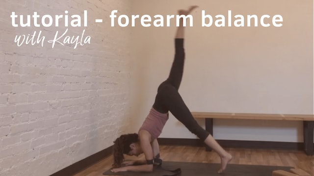 Tutorial Forearm Balance with Strap with Kayla