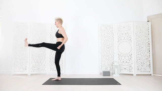 24 Min Core Strength Empowerment Yoga Flow