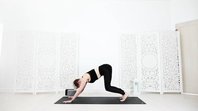 Beginner Yoga Flow For Tight People