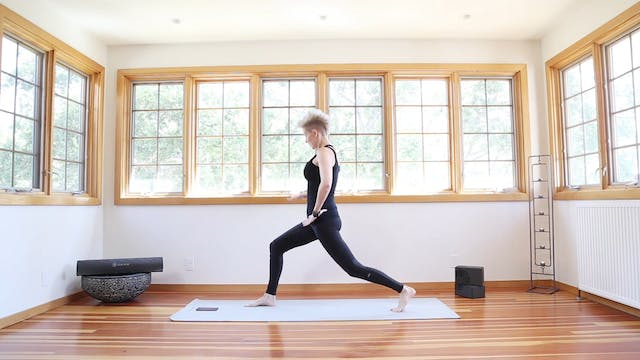 Q Yoga Shred®: Kicks Of Fire Lunges