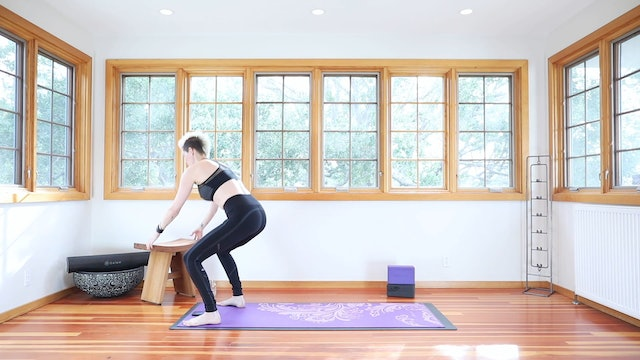 28 Minute Yoga Shred® For Body Reshaping & Firmer Glutes!